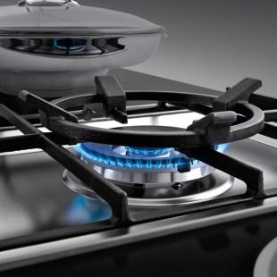 Cast iron wok adapter