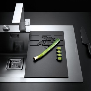 Multi-purpose black HPL drainer chopping board